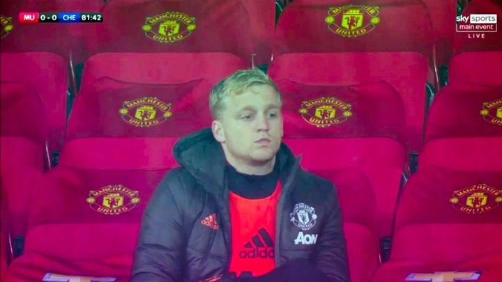 Donny van de Beek 'upset' at Man Utd and 'doesn't want to give interviews'  anymore - Mirror Online