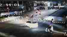 Hasil rekaman CCTV yang menunjukkan adanya mobil Avanza putih dan sepeda motor Nmax berwarna biru di hari pembunuhan Tuti dan Amalia di Subang.