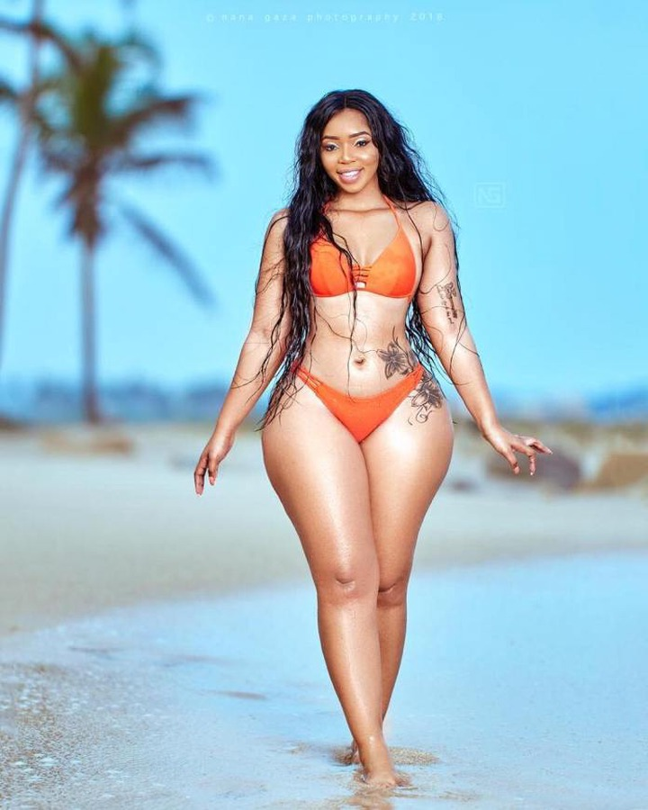Kim Kholiwe Is The Bootylicious South African Beauty Melting Hearts Online  - Gossip Naija