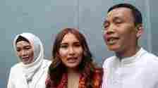 Ternyata ini alasan pihak KD laporkan ortu Ayu Ting Ting ke polisi, pantas Rozak-Umi Kalsum tenang?