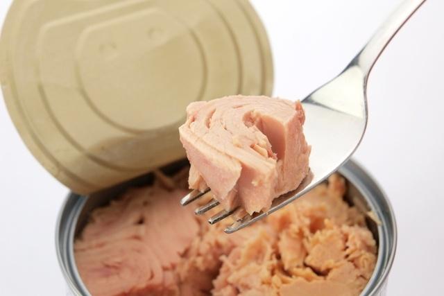 10 alimentos que precisa evitar na gravidez
