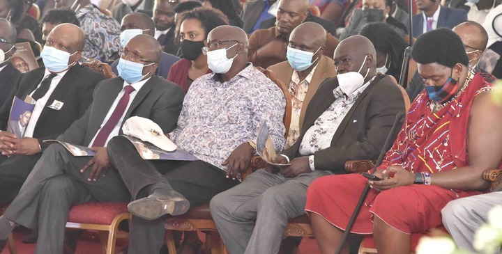 Just as you can see in the photo above from the right hand side, that is Narok County Senator Ledama Olekina at the burial ceremony of Kiplagat at DP Ruto's presence.