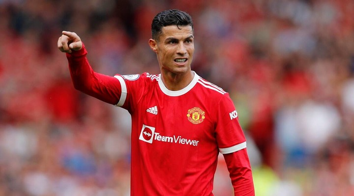 Cristiano Ronaldo leapfrogs Lionel Messi in Forbes' list of top-earning  players   Sports News,The Indian Express