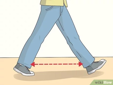 3 Ways to Walk the Runway for Male Models - wikiHow