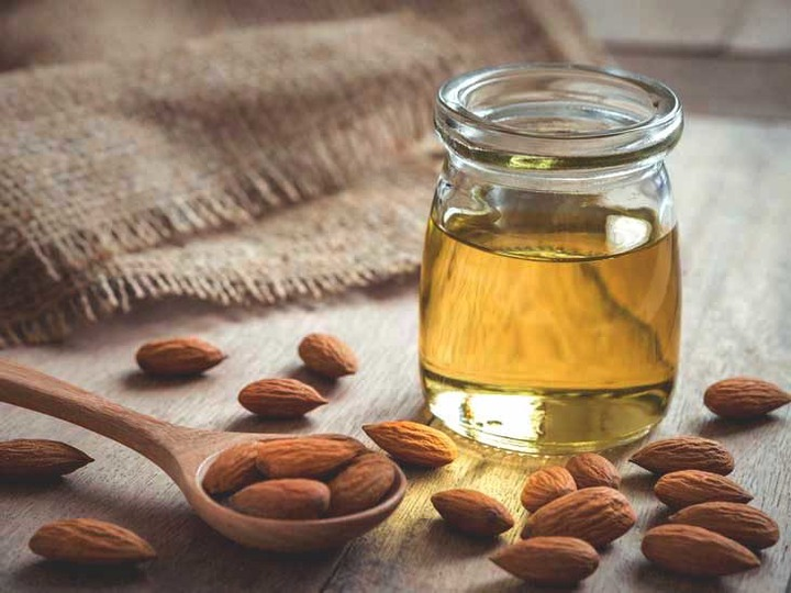 Almond Oil: What Are the Benefits?