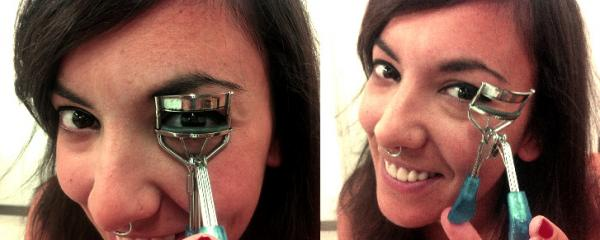 How to Apply Mascara Easily - Step 1