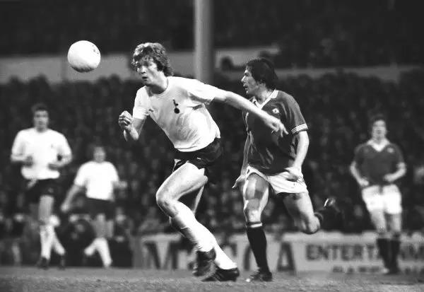 Willie Young Tottenham Hotspur (Print #8562345). Framed Photos
