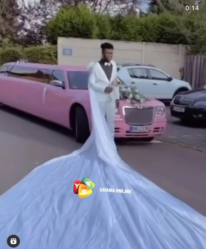 Social media set ablaze as pictures of the white wedding of a Ghanaian Gay emerges (video). 54