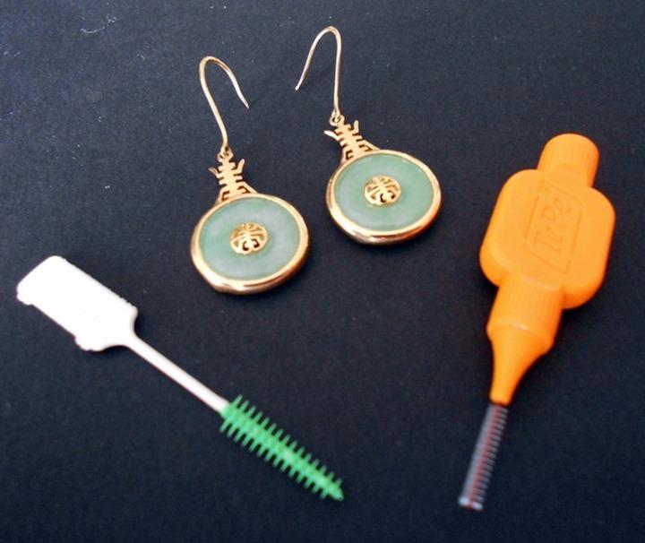 How to Clean Earrings - Bellatory