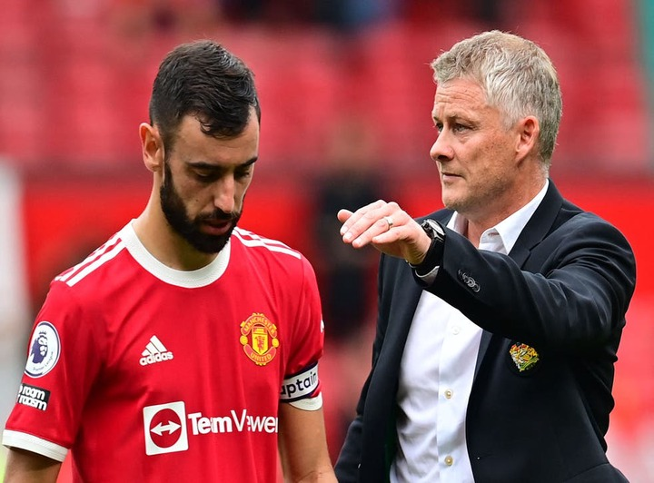 Manchester United: Ole Gunnar Solskjaer lacks Alex Ferguson's knack for  creating a siege mentality | The Independent