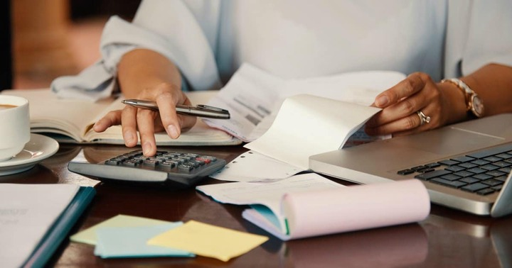 Ways to Cut Monthly Expenses and Reduce Spending | Women Who Money