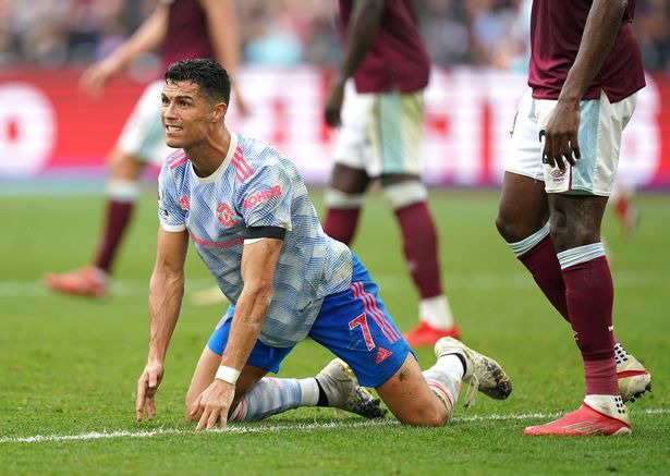 """Cristiano Ronaldo denied stonewall pen but made """"10/10"""" dive in Man Utd win  at West Ham - Daily Star"""