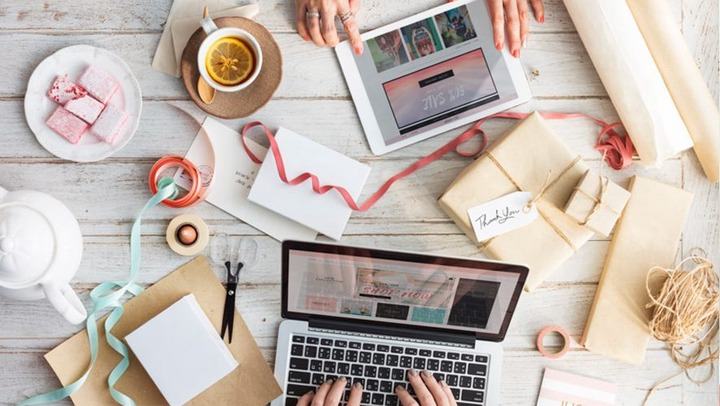 How to Start a Fashion Brand Online If You're Not a Business Guru