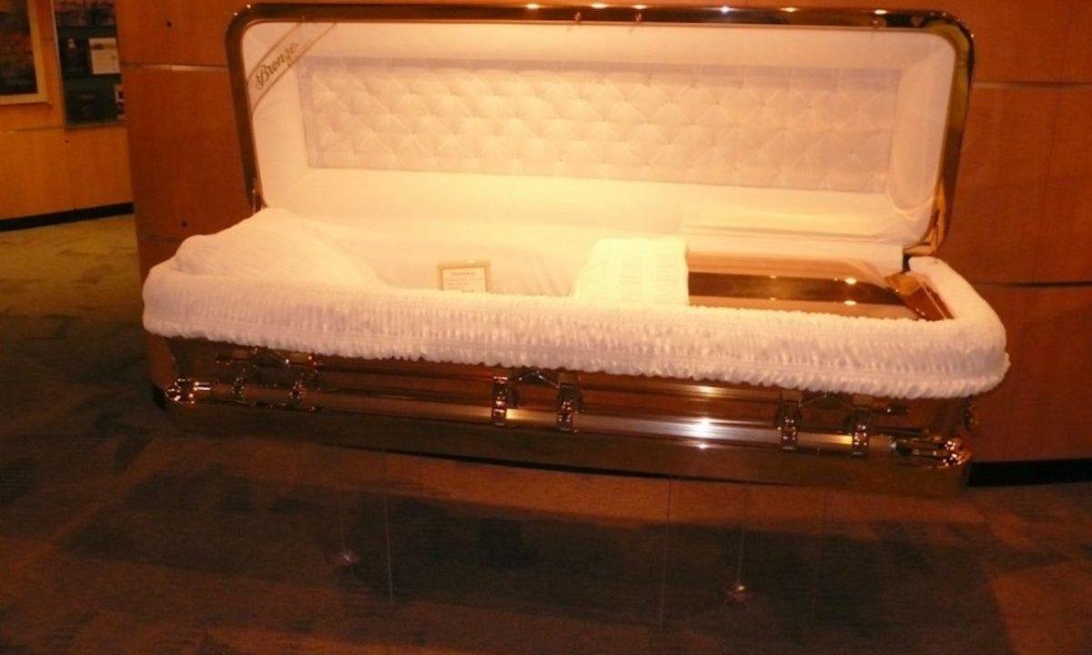 Michael Jackson coffin (Image: Ed Rahe)