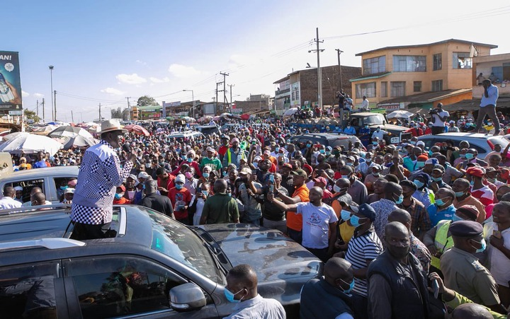 """Jame on Twitter: """"This is Kenol... Not on a market day, no accident... The  people had to listen to the 5th Raila Odinga. Baba climbing the mountain...  Githurai is next #INAWEZEKANA… https://t.co/gjTrwmZeFb"""""""