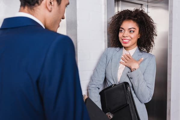 12 Elevator Pitch Examples to Inspire Your Own [with Templates]