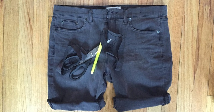 How To Make Jeans Into Shorts In 5 Simple Steps Because Legs Need To  Breathe!