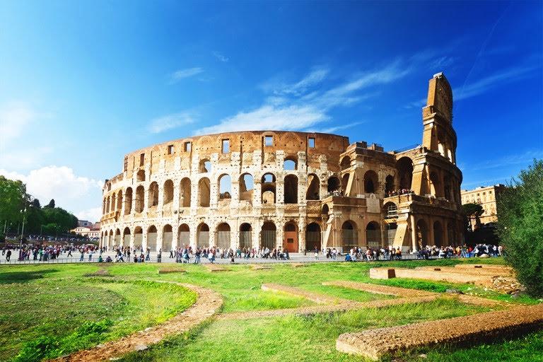 https://s1.travix.com/blog/It/Italy-Rome-Colloseo-2-large.jpg