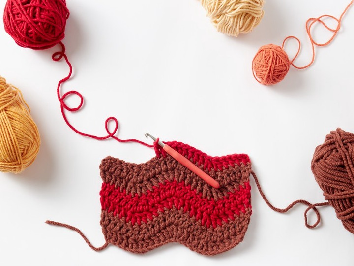 6 basic crochet stitches for beginners - Mommy Eco