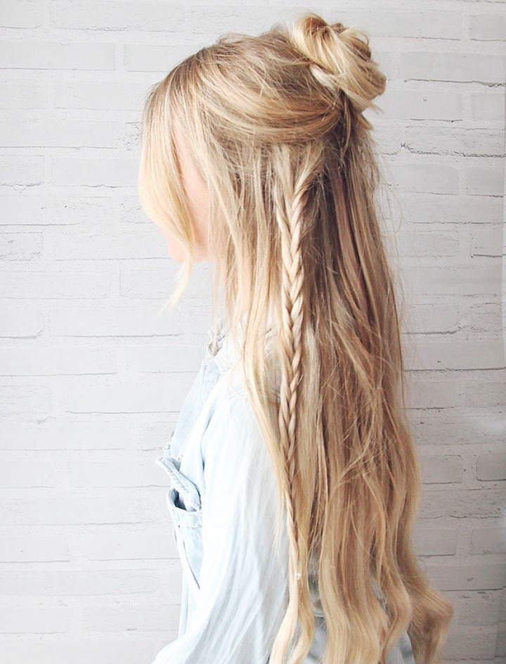 10 Easy Hairstyles For The Beach – The Everygirl Inside Well Liked Beachy Braids Hairstyles (View 1 of 20)
