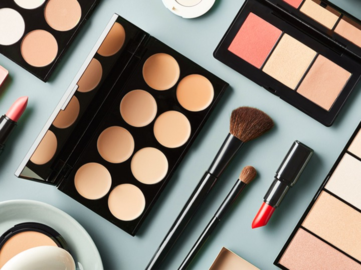 Does Makeup Expire? By Cosmetic, Skin Care, and More