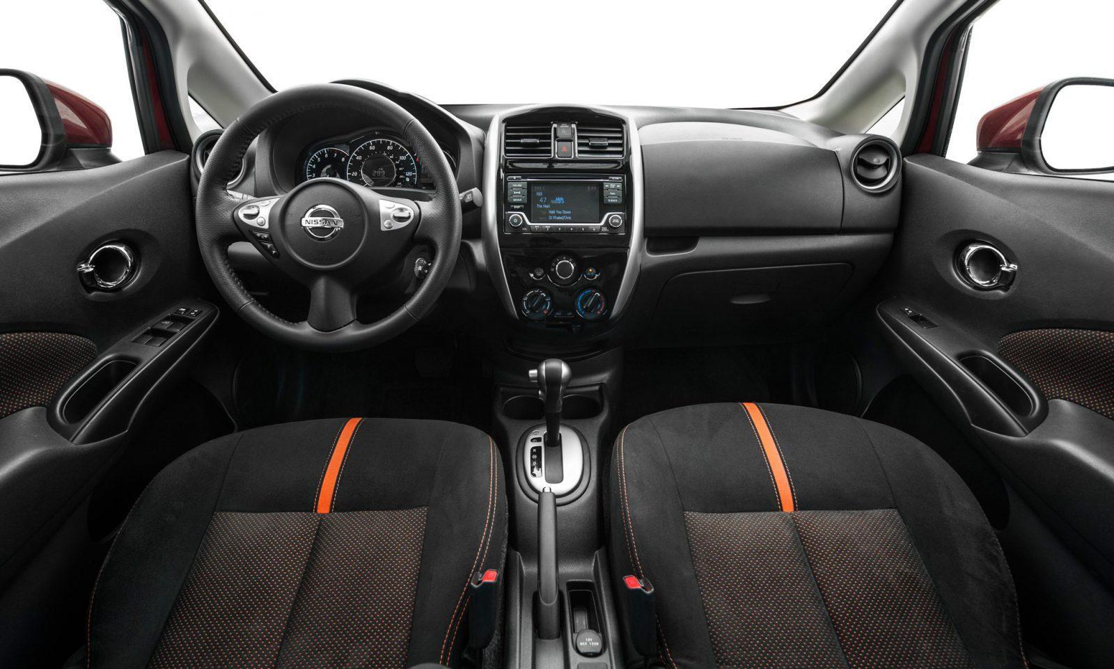 Interior Nissan Note 2015