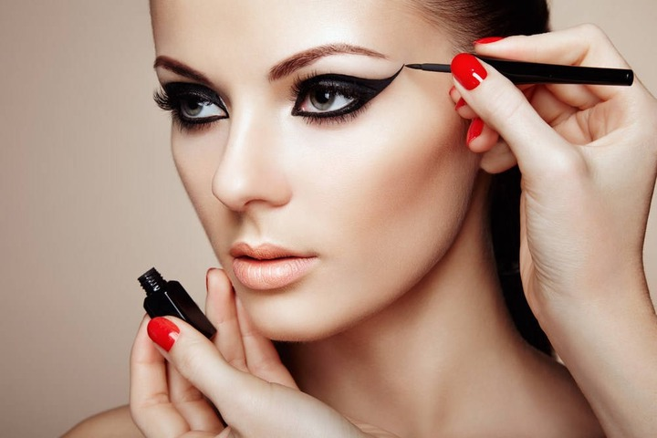 Videos: Learn Many Types of Make-Up in English- Spas and Salons India