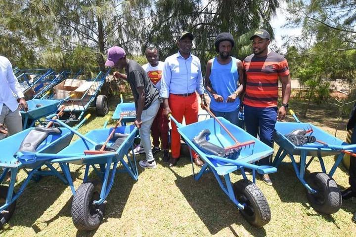 William Ruto Wheelbarrows Empowerment Is Justified- (OPINION) - Opera News