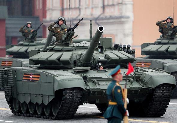 Russia sends troops to Ukraine border