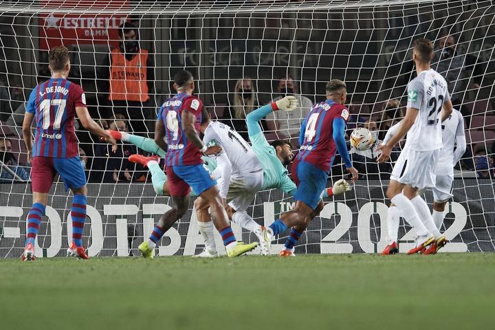 Barcelona vs Granada, La Liga: Final Score 1-1, Ronald Araujo rescues point  in awful Barça performance - Barca Blaugranes