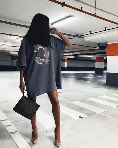 How to Wear Oversized Shirts For Women: Best Ideas To Copy 2021 -  LadyFashioniser.com