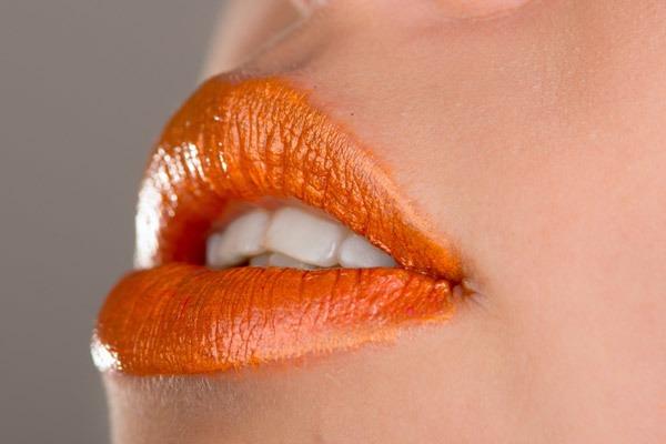 5 Best Lipstick Shades (Colors) For Fair Skinned Women - 2019 Update