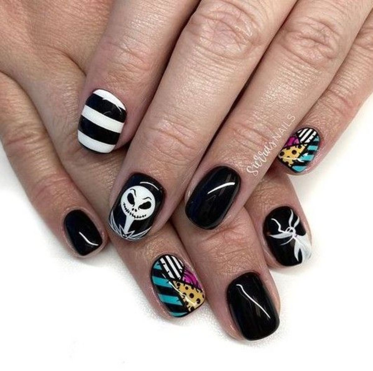 awesome-halloween-nail-art-designs
