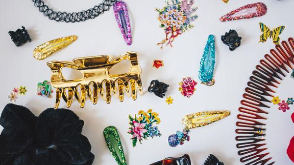 Hair Accessories: 90's Looks That Are Making A Comeback