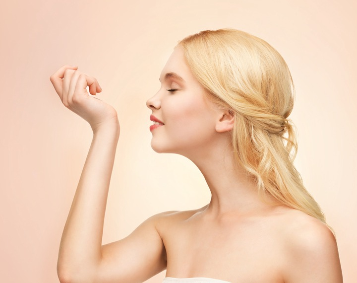 11 Secrets Of People Who ALWAYS Smell Good (It's Not Showering Every Day) -  VIX