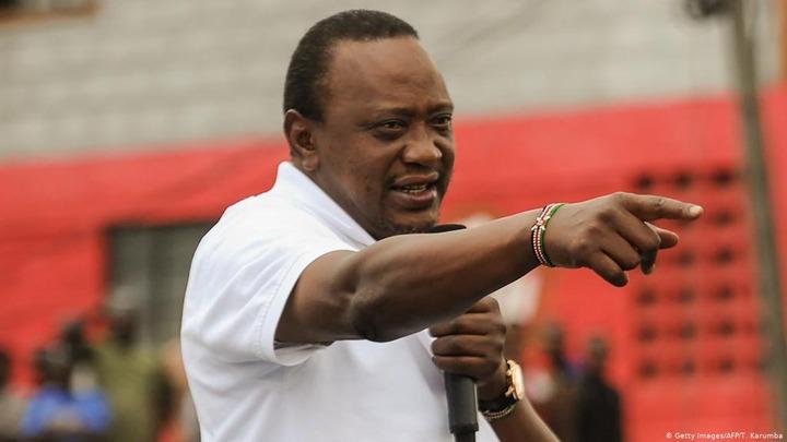 Uhuru Kenyatta respects Kenya′s election nullification, but warns courts |  News | DW | 02.09.2017