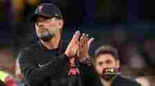 Manajer Liverpool asal Jerman Jurgen Klopp memberikan tepuk tangan kepada para pendukung di akhir pertandingan selama pertandingan sepak bola Liga Premier Inggris