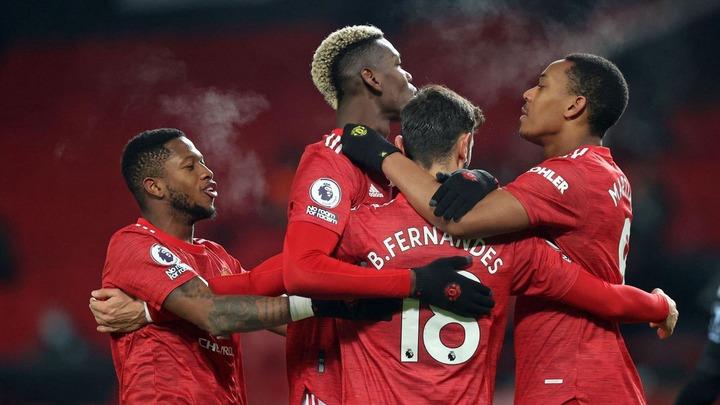 Bruno Fernandes penalty sends Manchester United joint top of Premier League  - Eurosport