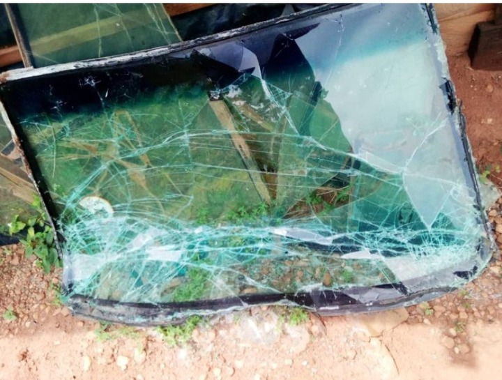Popular Ghanaian musician, his wife and two children involved in a gory accident on Nkawkaw road 55