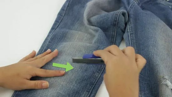 How to Rip Your Own Jeans: 10 Steps (with Pictures) - wikiHow