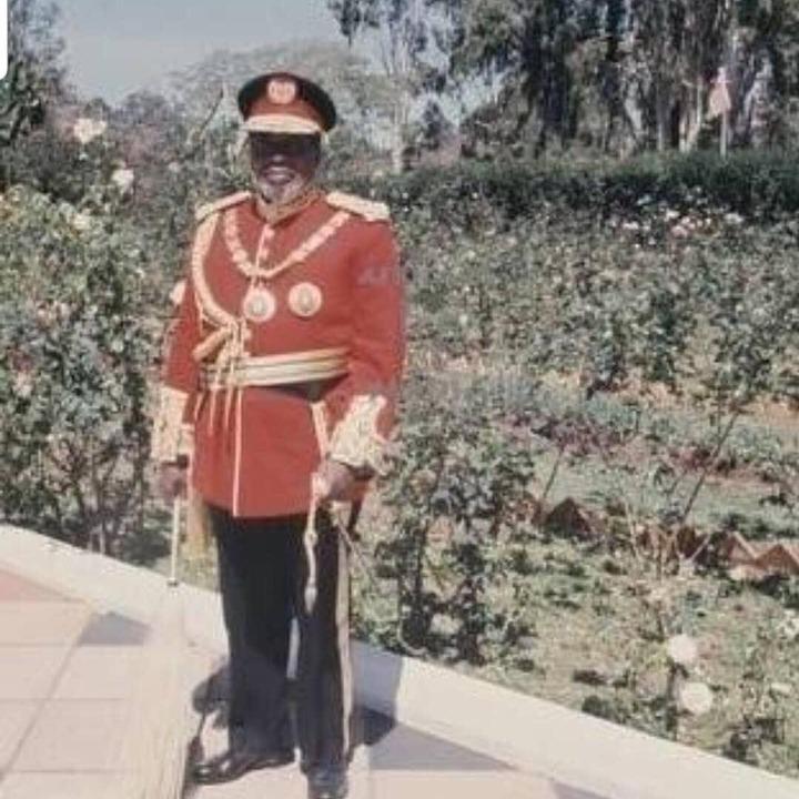 Jamhuri Day: President Kenyatta ditches suit for full military uniform -  Citizentv.co.ke