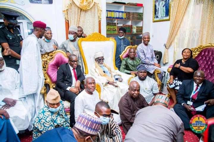 Photos of Alban Bagbin, Chief Imam, Haruna Iddrisu and Muntaka defying covid-19 protocol. 53