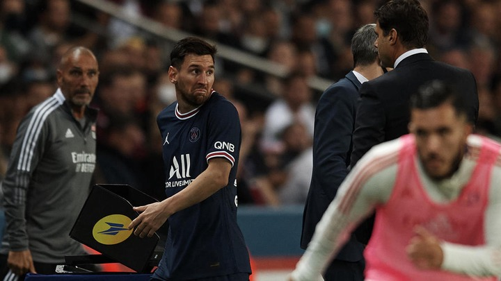 PSG vs. Lyon: Mauro Icardi spares Mauricio Pochettino's blushes as Lionel  Messi is substituted in late win - CBSSports.com