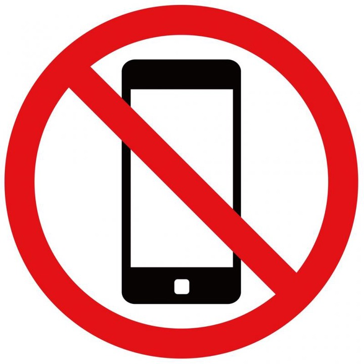 A professor gives three reasons why he doesn't allow cellphones in his  classes (opinion)