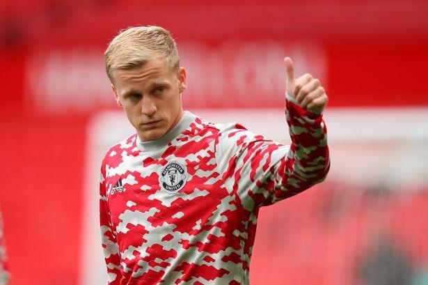 Manchester United hero sends message to Donny van de Beek - Manchester  Evening News