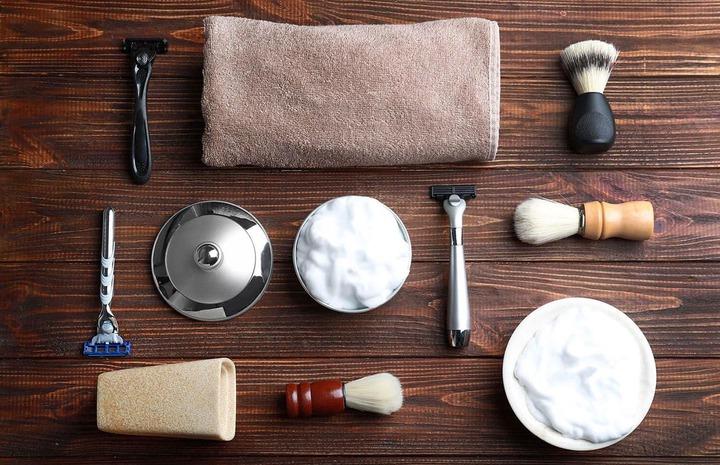 11 Best Men's Shaving Kits that will Up Your Shaving Game 2021