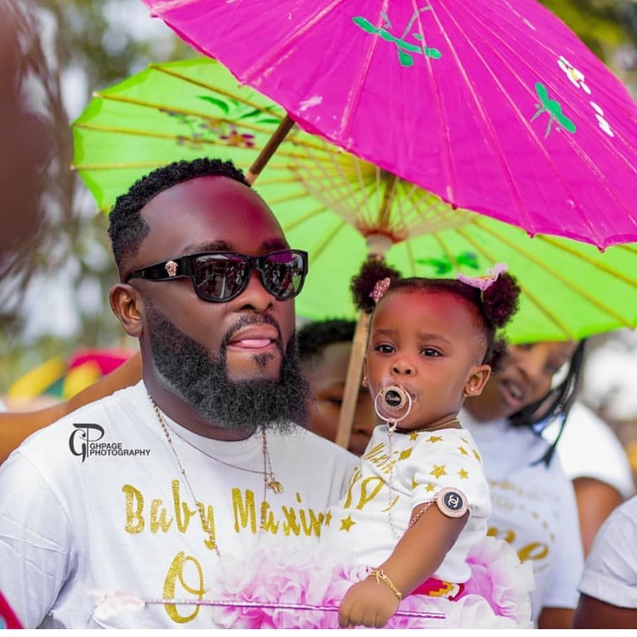 Baby maxin shares adorable moments with her father in new photos. 10