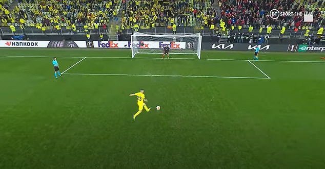 De Gea dived to his left when Moi Gomez struck down the middle for Villarreal's sixth penalty