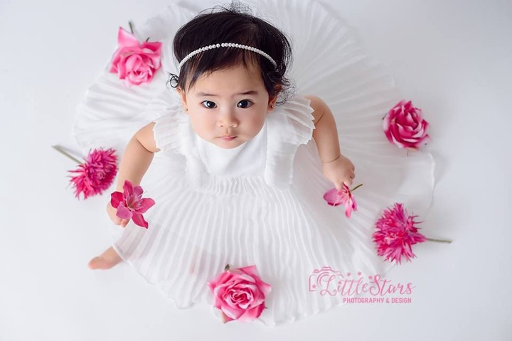 Baby Girl With Roses   Baby girl photography, One year old baby, Flower  girl dresses