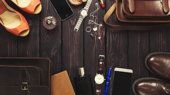 How to Accessorize: 4 Tips for Choosing Stylish Accessories - 2021 -  MasterClass
